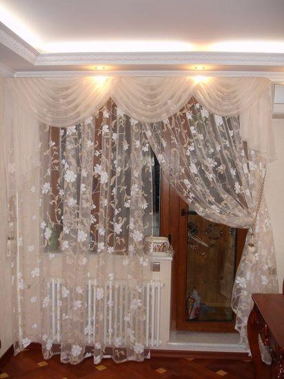 Дизайн штор для окна в гостиной